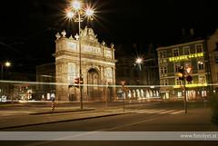 Innsbruck at night (G.Hotz Photography (busy as a bee =)) Tags: portrait people food lake photography dornbirn feldkirch sterreich stillleben foto fotograf fotografie hard bregenz gerald photograph bodensee constance bludenz oesterreich vorarlberg produkt hotz hochzeitsfotograf ondarena fotolyst