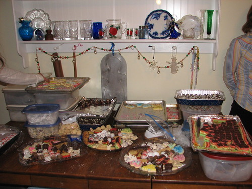 loading cookie trays
