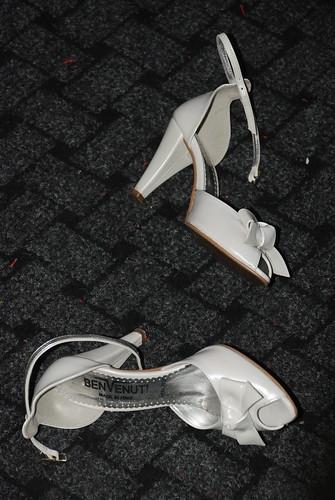 dupa o noapte de dans, pantofii s-au asezat sa se odihneasca