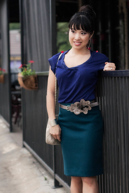 the limited royal blue top the limited flower belt j. crew double serge pencil skirt nightfall blue forever 21 silver pumps yesstyle beige quilted purse
