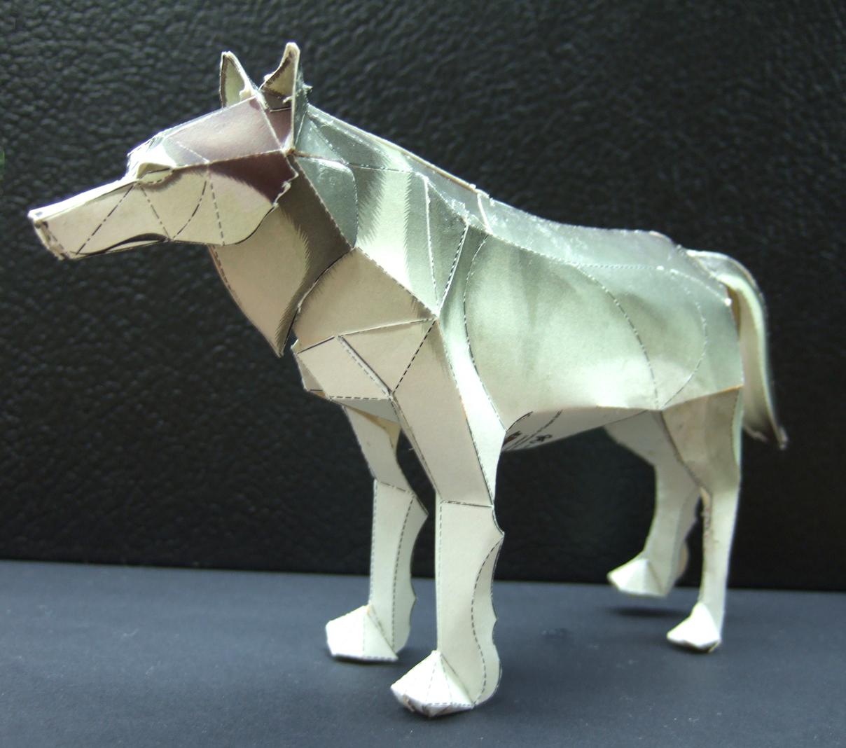 Timber wolf papercraft artificial intelligence timber wolf papercraft jeuxipadfo Images