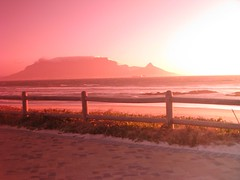 Pink Table Mountain (fuelspin) Tags: pink orange sun boat waves windy son capetown skip tilt shining freight tafelberg blouberg kaap branders pienk sononder skepe golwe