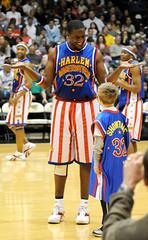 g10 (avraham bank) Tags: show basketball globe harlem arena globetrotters trotters clevercreativecaptures