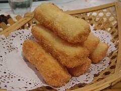 果汁心太软 Crumbed sticky rice finger filled with fruit jam - Tooraking