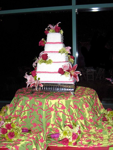 2380629220 3b1ba8d7b7 love your wedding cake designer