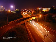 I-35 at night, 22 May 2008 (photography.by.ROEVER) Tags: nightphotography bridge skyline night evening highway ramp downtown loop may viaduct kansascity missouri interstate nightphoto 14thstreet kc 2008 i35 kcmo downtownkansascity 14thstreetbridge jacksoncounty lightstream nightphotograph interstate35 downtownloop nightimagery