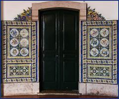 Decorated door (AnyMotion) Tags: travel portugal reisen ceramics lisboa lisbon tiles lissabon 2008 azulejos anymotion ilustrarportugal