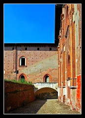 Castello di Vigevano - Scorcio (Explore) (alfvet) Tags: nikon castelli citt vigevano d60 mywinners betterthangood theperfectphotographer paesaggipppavia hccity llovemypic veterinarifotografi