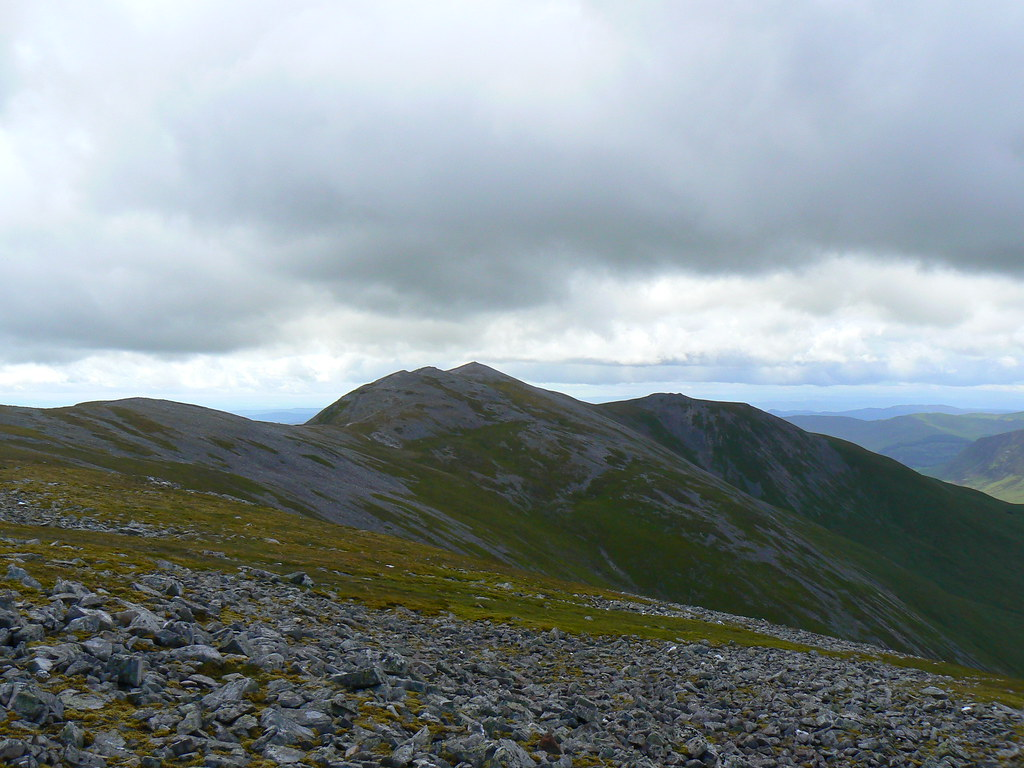 The ridge to Creag Leacach