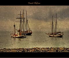 Waiting (Trausti lafsson) Tags: ocean sea fab iceland nikon chapeau hdr hsavk bej golddragon platinumphoto anawesomeshot infinestyle ysplix proudshopper goldstaraward multimegashot d80 damniwishidtakenthat davincitouch poseidonsdance