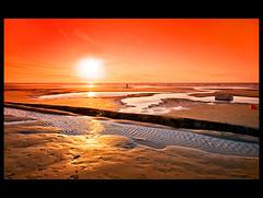 Goodby Summer! (♥ Damona-Art •.¸¸.•´¯`•.♥.•´¯`) Tags: sunset red sea summer reflection beach water colors coast sand nikon raw belgium wideangle filter northsea elements dehaan d300 cokin sigma1020 windsandandwater elitephotography p665