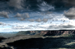 Blue Mountain View (nosha) Tags: shadow sky cliff mountain tree beauty clouds gum nikon australia bluemountains valley nsw newsouthwales eucalyptus pm gumtree 2008 range d300 18200mm nosha givemeahomeamongthegumtrees australia2008 noshalikes
