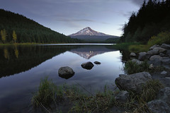 Trillium Morning (Mike Hornblade) Tags: morning reflection oregon sunrise pacificnorthwest trilliumlake d700