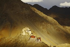 Ladakh_141_11-06-08 (Kelly Cheng) Tags: travel india mountain colour tourism horizontal architecture landscape daylight worship asia outdoor vivid sunny buddhism monastery getty tibetan colourful copyspace leh himalayas indus ladakh gompa namgyaltsemo kashmirjammu pickbykc