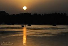 Sunset (Tikke Sang) Tags: persian nikon sundown iran persia iranian  isfahan sunsert   d80 zayanderoud    tikkesang