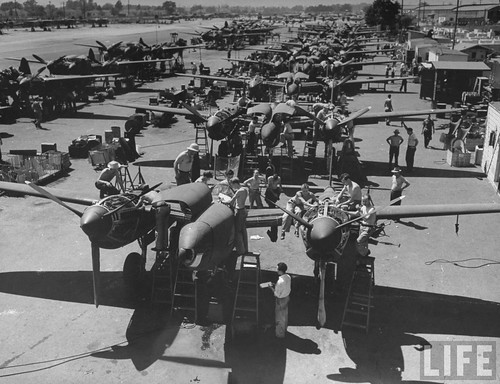 Warbird picture - P-38 production