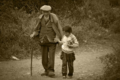 Yuhu Villagers in China (Ray Devlin) Tags: poverty china old rural countryside ancient asia village farmers poor chinese peoples forgotten farmer yunnan province peasants villagers archaic peoplesrepublicofchina stereotypical yuhu ruralchina chinesevillage josephrock yunnanprovince yuhuvillage