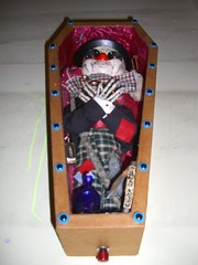 """Phineas the Tramp"" (Devlin Thompson) Tags: dayofthedead skeleton skull clown casket corpse coffin hobo tramp calavera diadelosmuertosallsaintsdaysculpturemixedmedia"