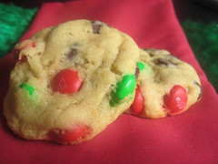 Christmas M&M Chocolate Chip Cookies 4