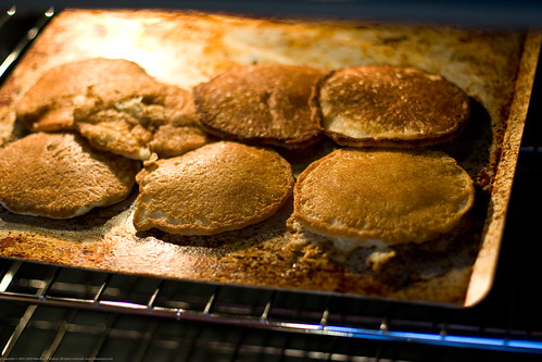 "Samsung Range: pancakes in oven on ""keep warm"""