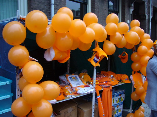 Queen's Day tat (photo by Radio Nederland Wereldomroep on Flickr)