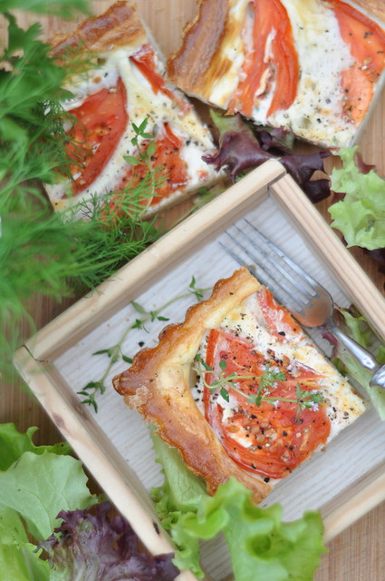 kitsejuustupirukas tomati ja tüümianiga/goat cheese tart with tomatoes and thyme