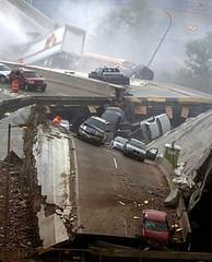 collapsed bridge in Minneapolis