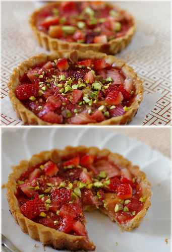 strawberry rhubarb tart1