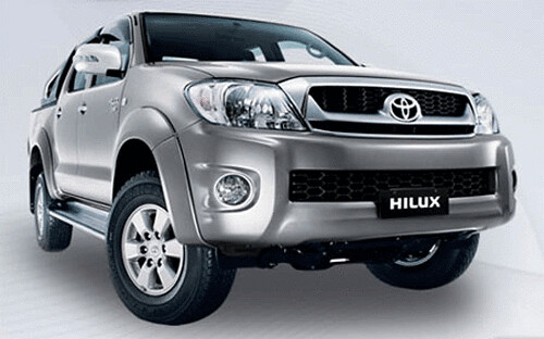 Among the SUVs and 4 × 4, the Honda C-RV was again. New Toyota Hilux 2009