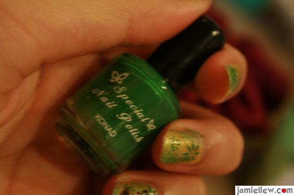 konad special nail polish