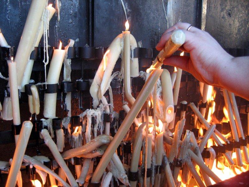 Oferecer uma vela, Cova de Iria