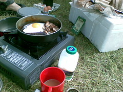 Breakfast on the campsite