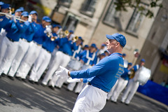 Falun Gong (mouzhik) Tags: music paris canon compassion falungong parijs falundafa chine musique pars zemzem wideopen forbearance  muzhik pary mujik parys  truthfulness   pariisi    parizo moujik eos40d bokehwhores bokehwhore  mouzhik ef50mmf10ums   pars prizs