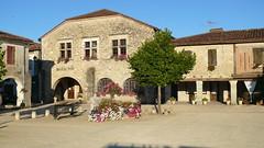 Place des Tilleuls - St Justin 40 (gites40) Tags: justin saint landes bastide