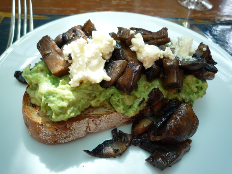 Smashed avocado, mushies and fetta