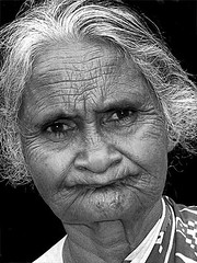 An old woman (dawey [Mohammad Alhameed]) Tags: city travel 20d women asia asien canon20d srilanka ceylon usm dslr  mohammad familytrip sandisk eos20d compactflash sirlanka voluntary  yousef mohamad picturecollection conon vwc flickrsbest    conon20d dawey  kvwc kuwaitvoluntaryworkcenter  photovwc kuwaitvwc