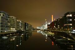 Frankfurt Westhafen 7 (N.Muehlenbeck) Tags: b wasser frankfurt main hafen westhafen leben nachtaufnahmen gerippte dergerippte