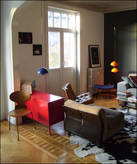 L'appartement (maxime clair) Tags: blue yellow gelb flowerpot blau vernerpanton