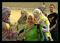 Giza, Egypt (Daniel Kliza) Tags: girls girl smile sphinx scarf happy veiled veil muslim egypt hijab happiness cairo egyptian muslims niqab giza egyptians