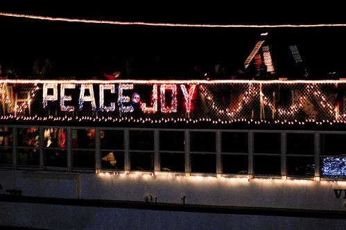 boat christmas parade 11