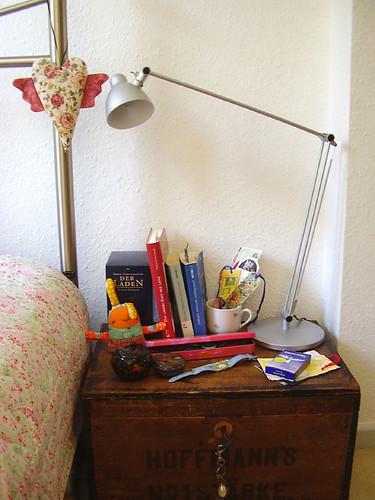 """nachttisch - bedside""""table"""""""