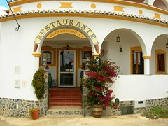 3072 Arco do Guadiana (Sueshane) Tags: door windows food plant building portugal architecture bar