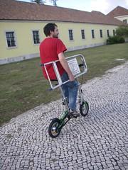 A Mobiky também serve para transportar carga! :-P