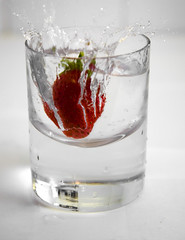 Strawberry splash (.craig) Tags: red water glass photography droplets drops strawberry photographic craig splash sodawater craigallen abigfave anabadili