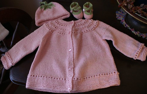 Free Knitting Patterns For Babies Layettes : BABY LAYETTE KNITTING PATTERNS FREE PATTERNS