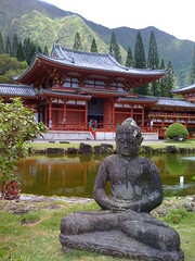 Byodo-In with seated Buddha