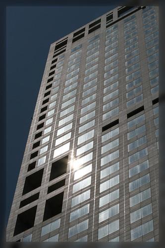 Yintai Tower (by niklausberger)