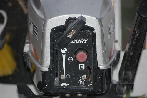 to start 2 stroke outboard