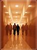 Reflejos Urbanos (Errlucho) Tags: luces gente camino pasillo reflejos espejos hombres errlucho