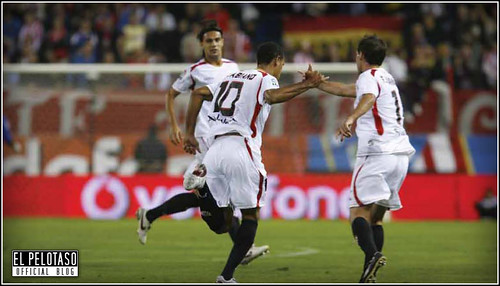 Luis Fabiano gol de falta
